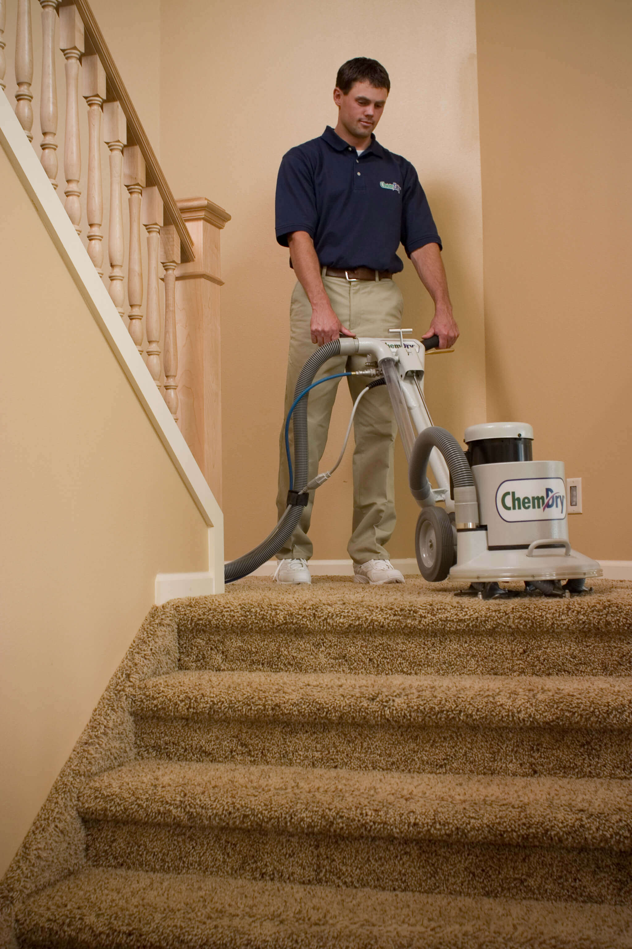 chem-dry tech cleaning carpets in Tulsa, OK